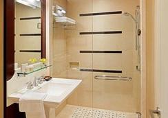 The St. Regis Hotel - Vancouver - Bathroom