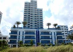 Churchill Suites Monte Carlo Miami Beach - Miami Beach - Building