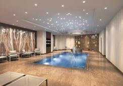 The Ritz-Carlton, Berlin - Berlin - Pool