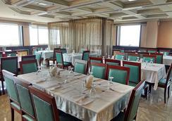 Hala Inn Hotel Apartments - Ajman - Restaurant