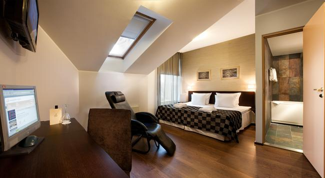 The von Stackelberg Hotel Tallinn - Tallinn - Bedroom
