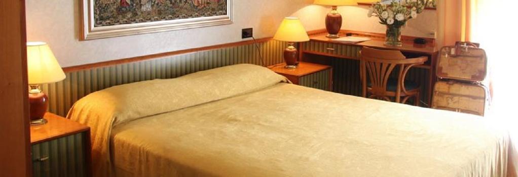Hotel Marittima - Rimini - Bedroom