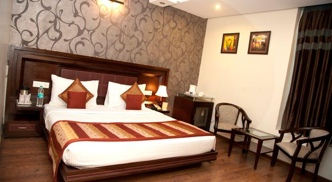 The Vaishali Inn - Ghaziabad - Bedroom