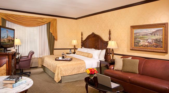Ayres Hotel Corona East - Corona - Bedroom