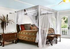 Function Inn - Lucknow - Living room