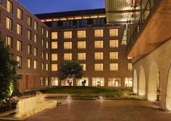 AT&T Hotel & Conference Center at the University of Texas - Austin - Building