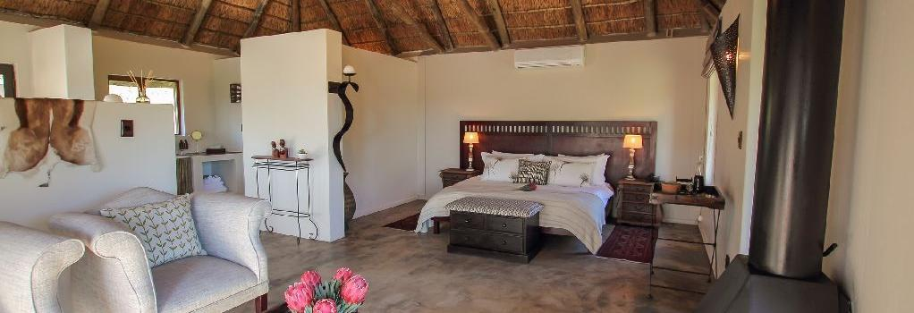 Bukela Game Lodge - Fowlds - Bedroom