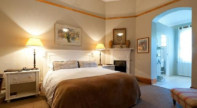 Leeuwenbosch Country House - Buyskloof - Bedroom