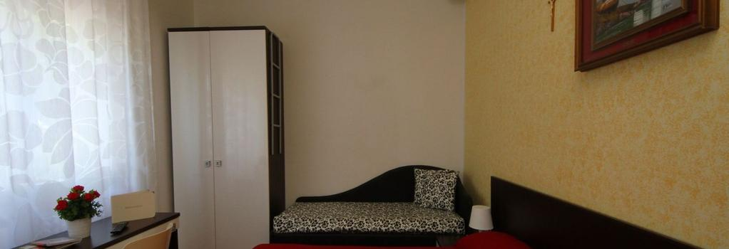 Villa Lauda Bed & Breakfast - Rimini - Bedroom