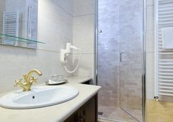 Hotel Castel Royal - Timisoara - Bathroom