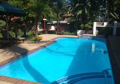 Journey's Inn Africa Guest Lodge - Johannesburg - Pool