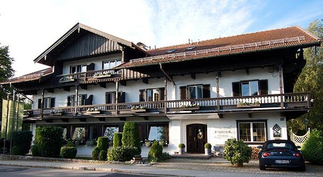 Relais-Chalet Wilhelmy - Bad Wiessee - Building