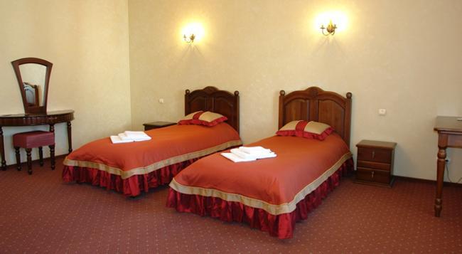Hotel Kamelot - Omsk - Bedroom