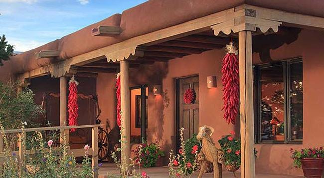 Bobcat Inn Bed and Breakfast - Santa Fe - Building