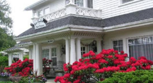 The Five SeaSuns B&B - Port Angeles - Building
