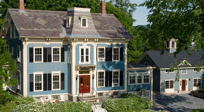 The Inn on The Green - Middlebury - Building
