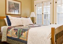 The Inn on The Green - Middlebury - Bedroom