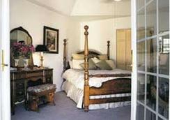 Casalana Gourmet Retreats - Calistoga - Bedroom