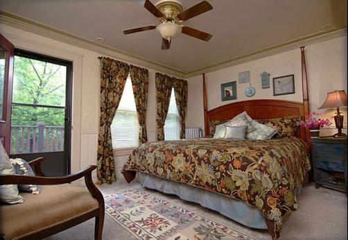 J Palen House - Cleveland - Bedroom