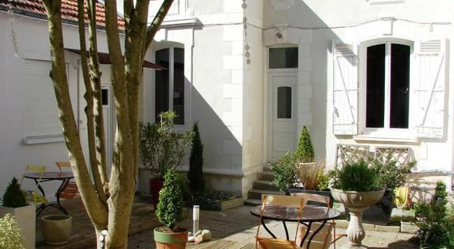 Le Savary - La Rochelle - Patio