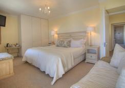Ocean Watch Guest House - Plettenberg Bay - Bedroom