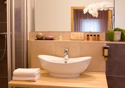 Hotel Hafner - Stuttgart - Bathroom