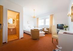 Hotel zum Kuhhirten - Bremen - Bedroom