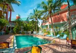 The Lighthouse Resort Inn & Suites - Fort Myers Beach - Pool