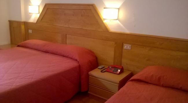 Hotel Paganella - Molveno - Bedroom