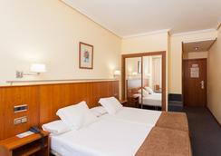 Hotel Ciudad De Compostela - Santiago de Compostela - Bedroom