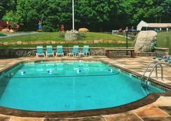 Super 8 Lake George/Downtown - Lake George - Pool