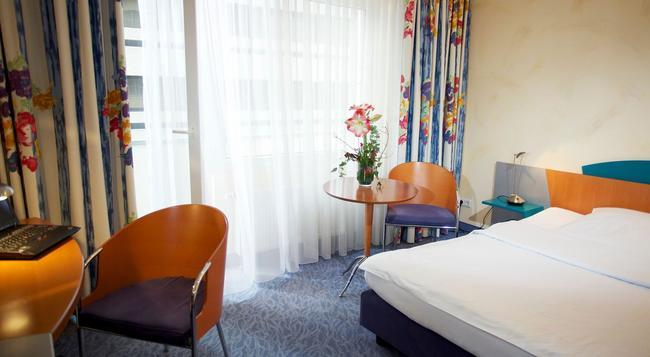 Hotel Konigshof Am Funkturm - Hannover - Bedroom