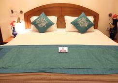 Royal Palace - Noida - Bedroom