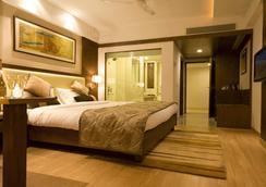 Hotel Gwalior Regency - Gwalior - Bedroom