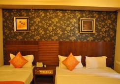 Hotel Sai Sangeeta - Shirdi - Bedroom