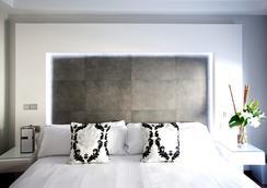 Hotel Regina - Madrid - Bedroom