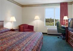 Baymont Inn & Suites Chicago/Calumet City - Calumet City - Bedroom