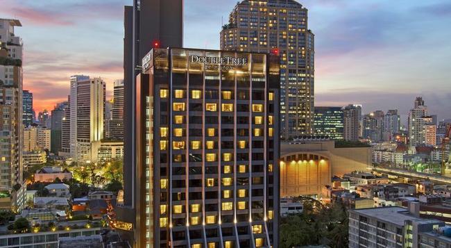 DoubleTree by Hilton Hotel Sukhumvit Bangkok - Bangkok - Building