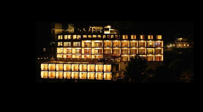 Shivalik Hotel & Resorts - Kasauli - Building
