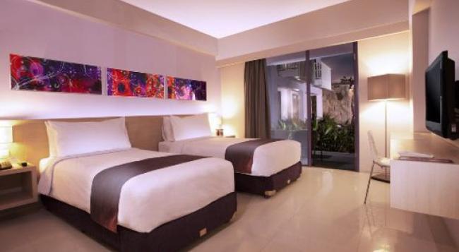 Berry Hotel - Kuta (Bali) - Bedroom