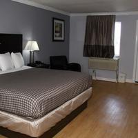 Destin Inn and Suites Guestroom
