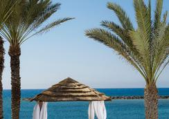 Constantinou Bros Athena Royal Beach Hotel - Paphos - Beach