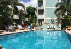 Manhattan Tower Apartment Hotel - Fort Lauderdale - Pool