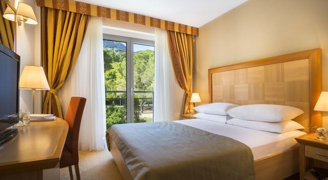 Aminess Grand Azur Hotel - Orebic - Bedroom