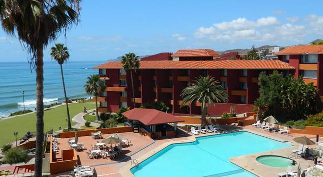 Puerto Nuevo Baja Hotel & Villas - Rosarito - Building