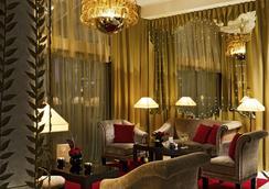 Hôtel Barrière Le Fouquet's - Paris - Lobby