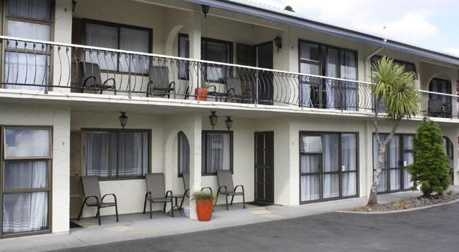 Motel Villa Del Rio - Whangarei - Building