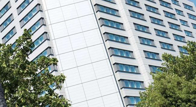 Hilton London Canary Wharf - London - Building