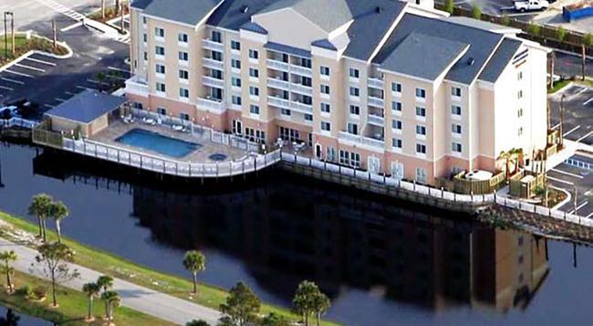 Fairfield Inn and Suites by Marriott Orange Beach - Orange Beach - Building