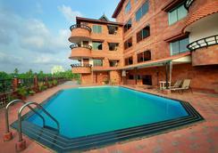 Westway Hotel - Kozhikode - Pool
